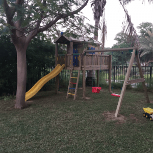 Residential-Playground-Equipment-Meadows2-Dubai-BoomTree-Adventure-Playgrounds