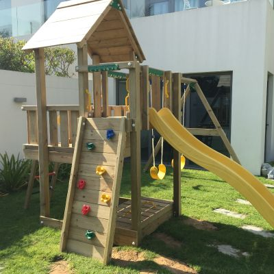 Residential-Playground-Equipment-Jumeirah-Cubby-Dubai-BoomTree-Adventure-Playgrounds
